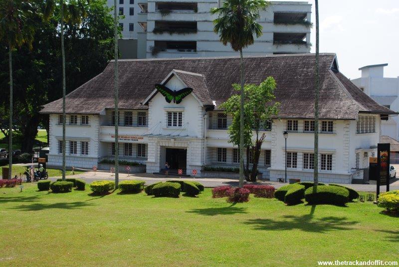 Borneo 933